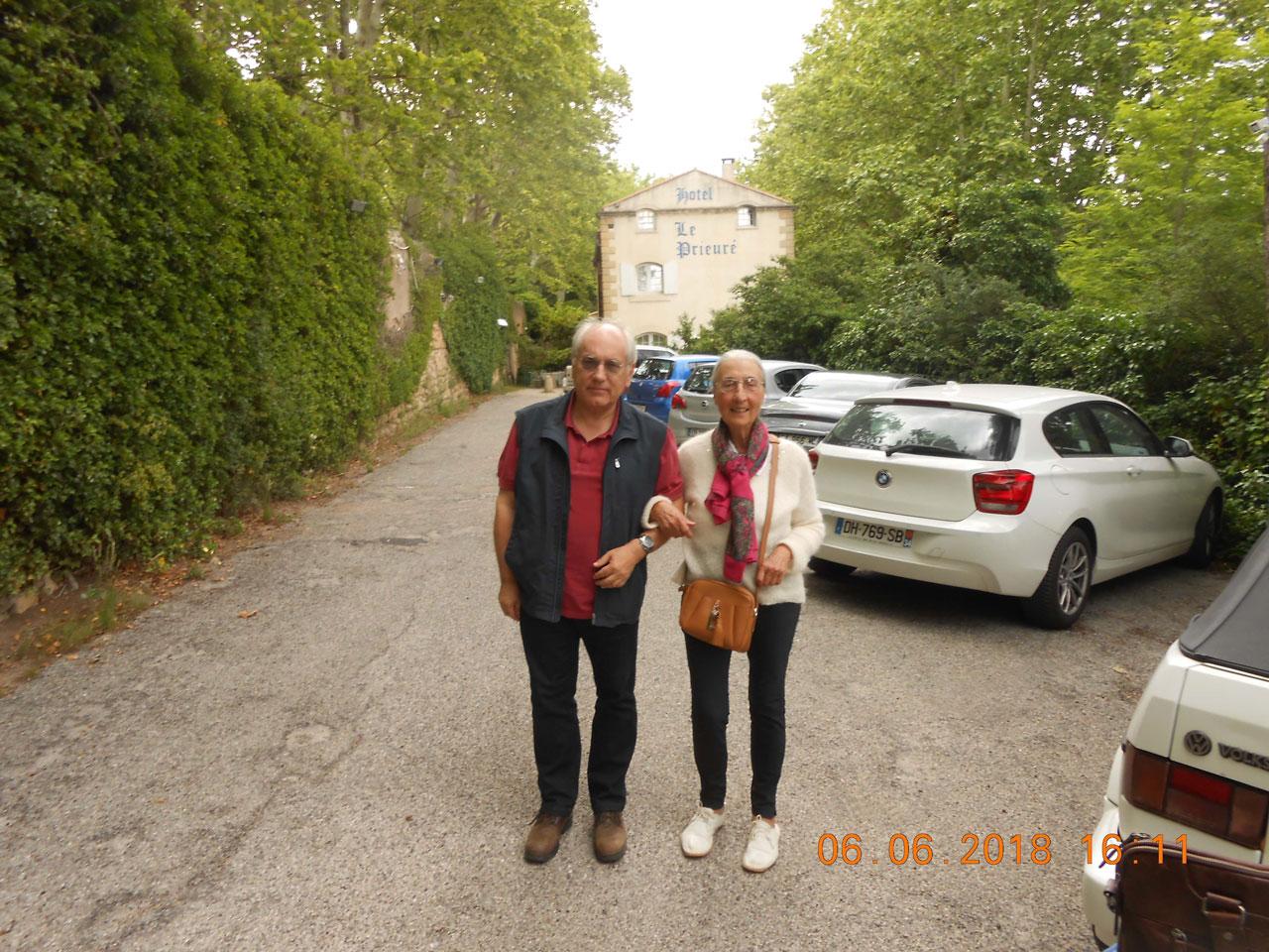 Ο ποιητής με την μεταφράστρια Janin Kaminski στο Aix-En-Provence τον Ιούνιο του 2018